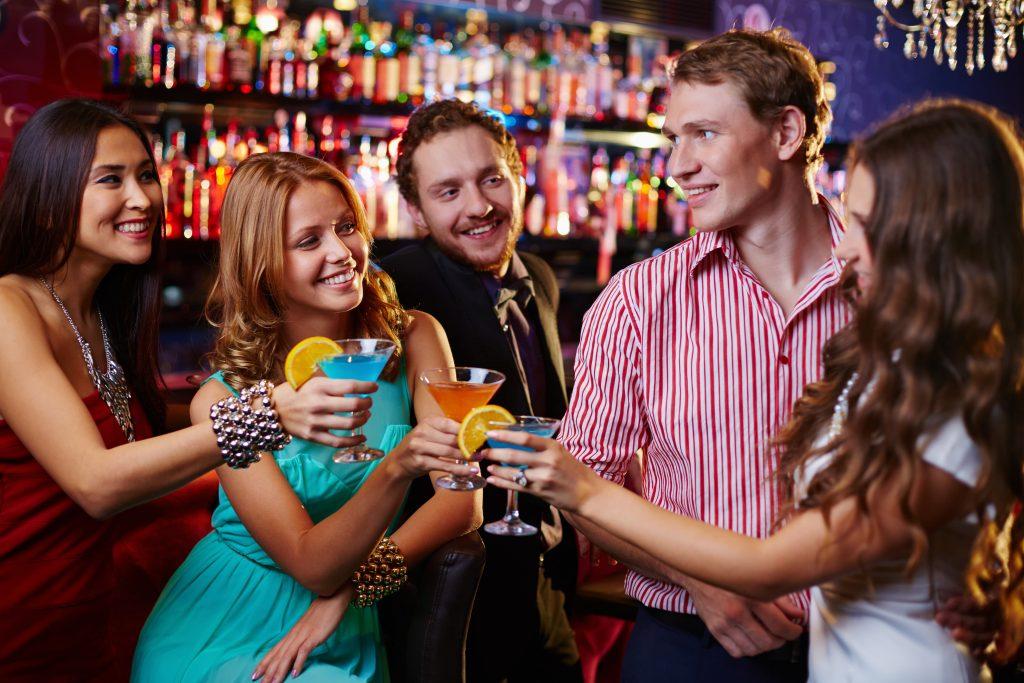 Pessoas Em Um Bar